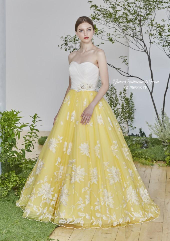 bdea5d0d8ea7f ホワイトの刺繍レースが爽やかな黄色のソフトチュールに映えるキレイなAラインのドレスです! 上半身部分の白色とスカート部分の黄色が夏にピッタリの色合いになってい  ...